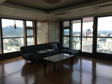 Apartment in Jungnim-dong, Seoul