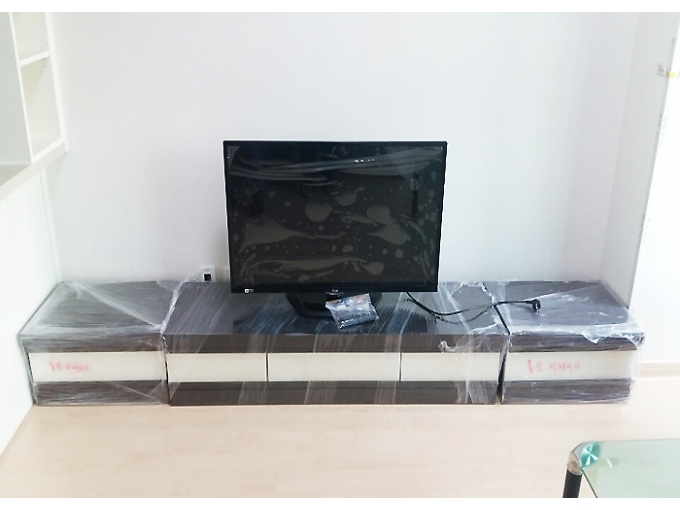 korea furniture rental TV stand (black&white)